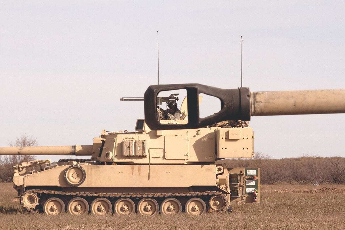 M109-A6 Paladin Self-Propelled Howitzer