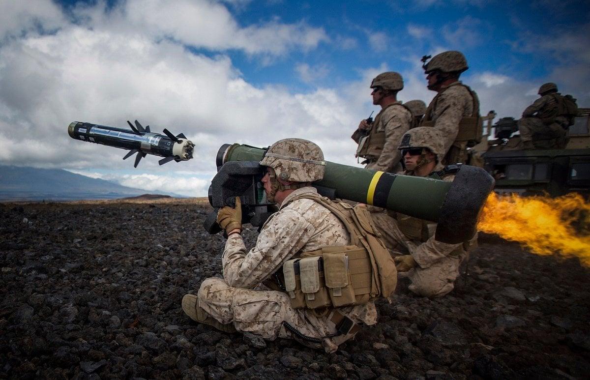 Long-range loitering munitions