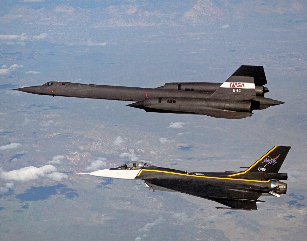 SR-71 and F-16