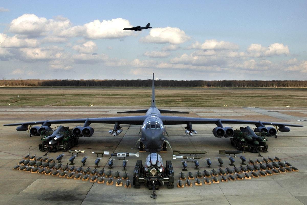 B-52 Bomber Hypersonic Missiles