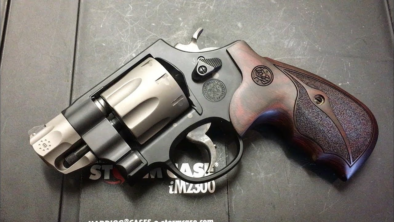Though the Model 327's N-frame revolver is considered a large frame, the Model 327 is actually a quite compact revolver.