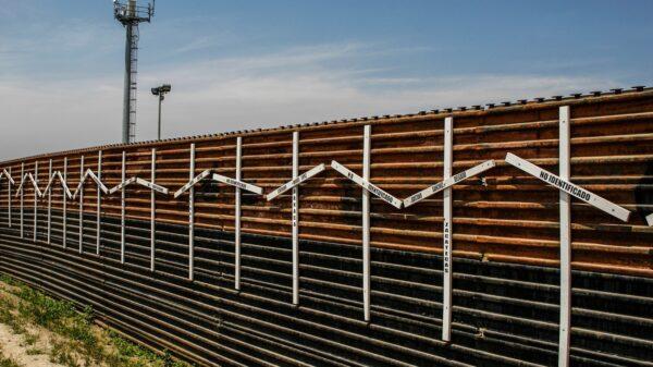 Greg Abbott Border