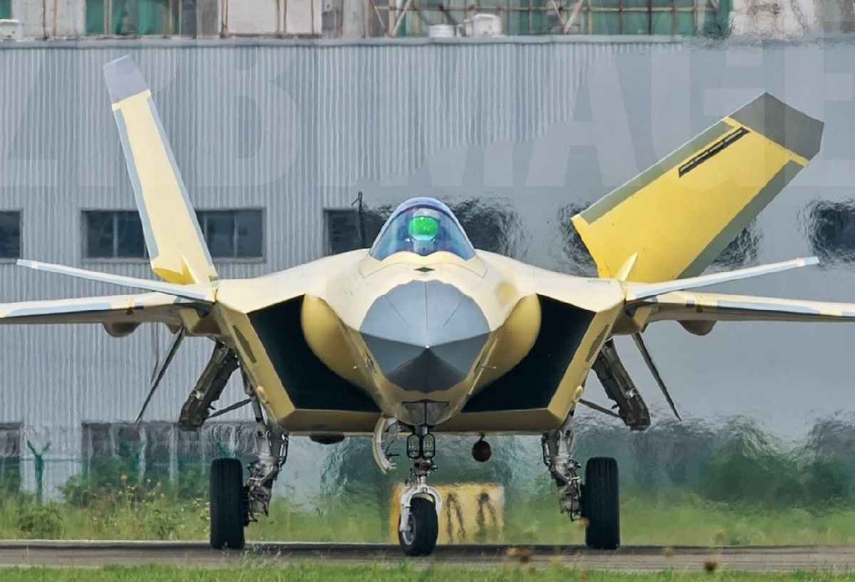 China J-20 Stealth Fighter