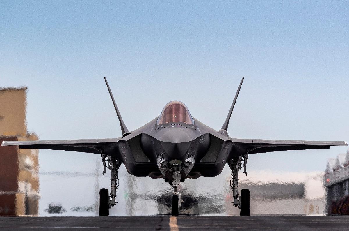 F-35 AI-Driven Wingmen