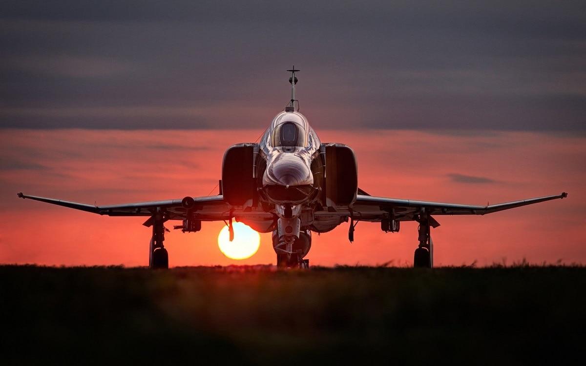F-14 vs. F-4 Phantom II